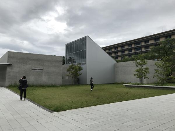十和田市図書館2.jpg
